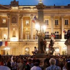 CM 2018 – Bleus – Les CRS évacuent les alentours du Crillon