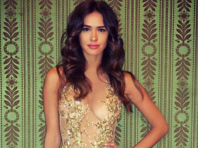 PHOTO Leila Ben Khalifa sublime en or et transparence pour la Fashion Week
